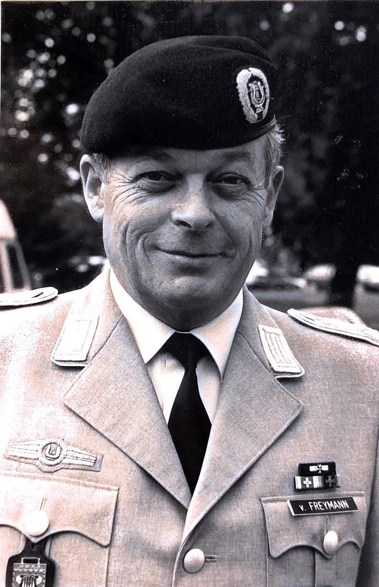 Oberstleutnant Eberhard von Freymann leitete das Heeresmusikkorps Ulm von 1987 bis 1991