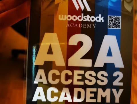 Woodstock Academy: Gemeinsam. Fort. Bilden